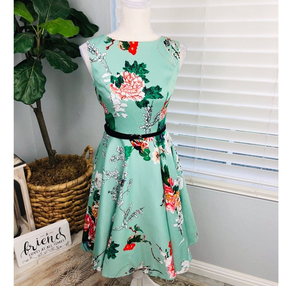 NWT FLORAL VINTAGE STILE CIRCLE DRESS